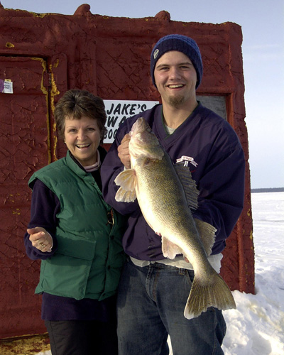 Ice Fishing Service in Lake of the Woods, MN